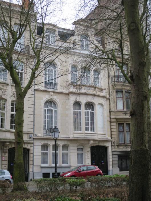 restauratie_balkon_elsene_na_1_frontfoto