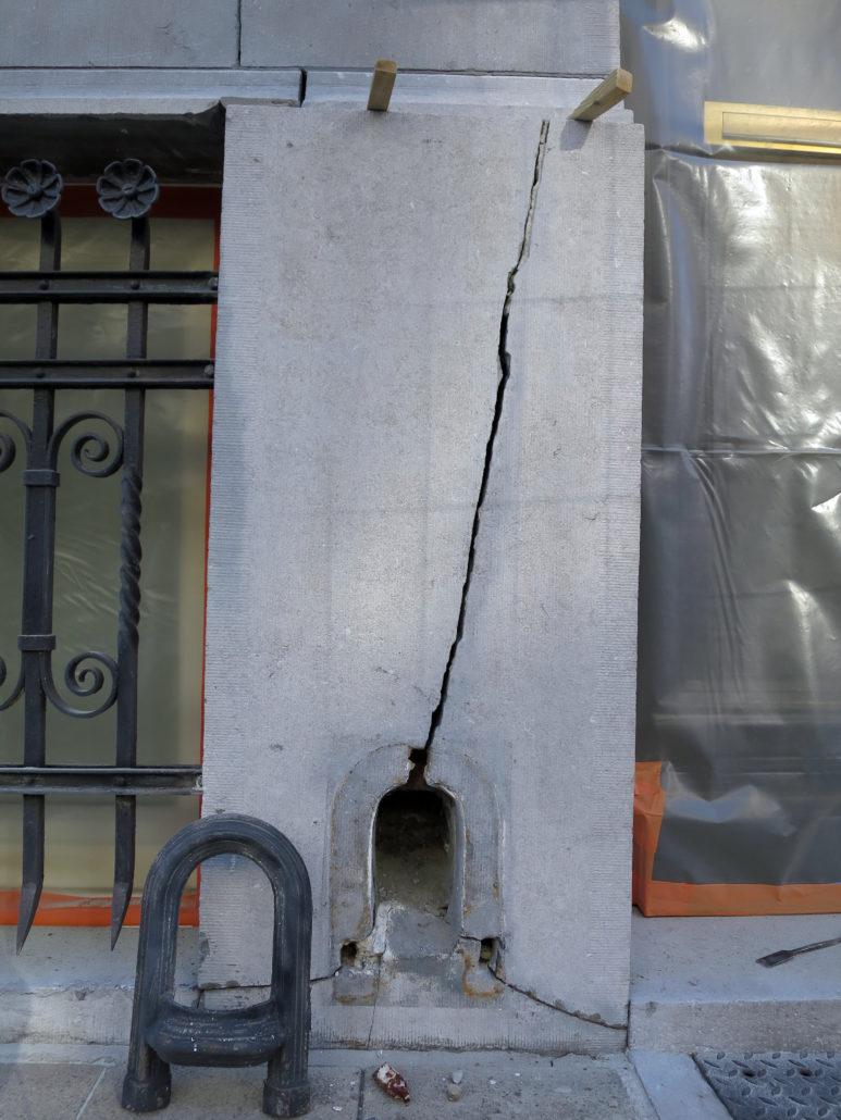 restauratie-natuursteen-plint-gevel-antwerpen